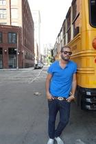 H&M t-shirt - Urban Outfitters jeans - vintage belt - La casa de la zapatilla sh