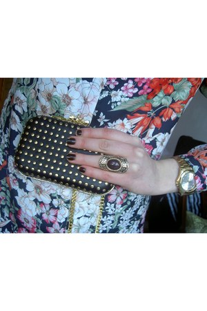 GINA TRICOT ring - GINA TRICOT bag - Zara blouse