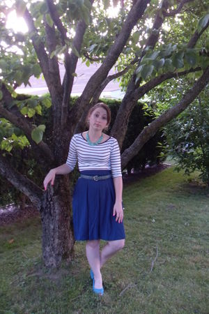 blue Urban Outfitters skirt - white Forever 21 top - Forever 21 shoes - blue coa
