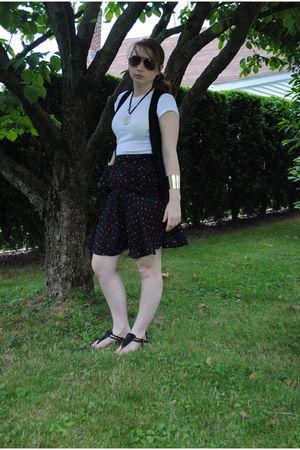 black Forever 21 vest - black Urban Outfitters skirt - white shirt