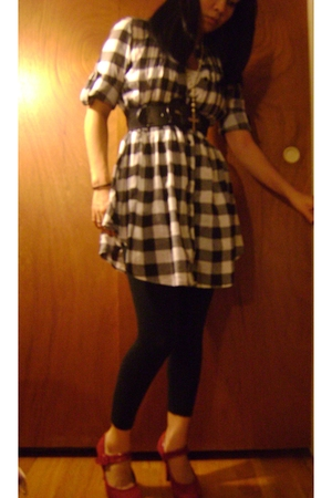 Apollo dress - circo leggings - H&M belt - Forever 21 necklace - Kelly and Katie
