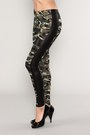 Camo-leggings-leggings