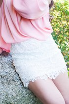 white lae skirt skirt