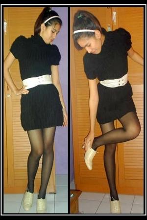 No branded dress - No branded belt - custom made boots - stockings -