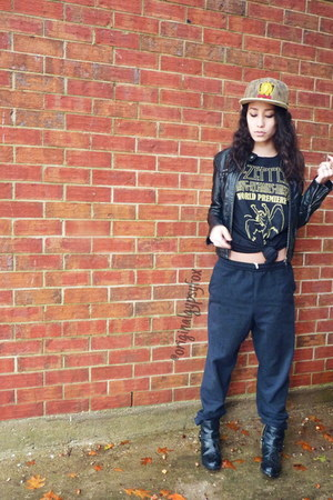 black sweat Hanes pants - black  gold H&M boots - hemp GRC hat