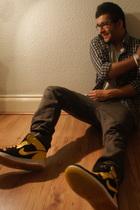 Air Jordan 1 shoes - Edge shirt - Zara jeans