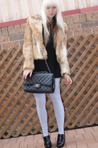 beige fur vintage coat - black zu shoes - black LAB t-shirt