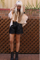 unlucky 13 shorts - cls shoes - fiva accessories - supre top