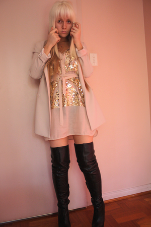 beige cream Forever New blazer - black leather Topshop boots