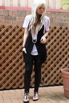 LAB t-shirt - American Apparel - Urbanogcom - Sportsgirl vest - bardot bracelet
