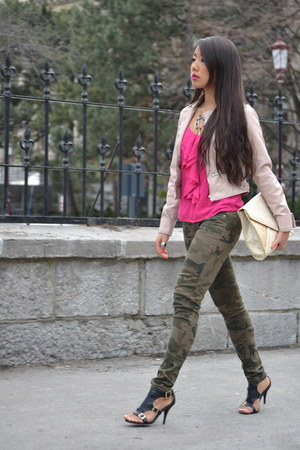 faux leather Charlotte Russe jacket - Forever21 shirt - camouflage Sirens pants