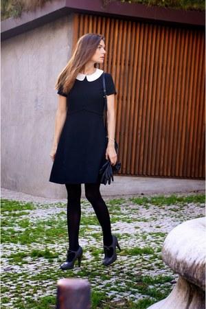 charcoal gray Comptoir des Cotonniers shoes - black max&co dress