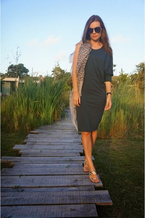 teal Tracce dress - silver Massimo Dutti scarf - camel Zara sandals