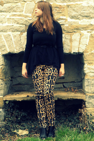 black H&M sweater - black Forever 21 wedges - gold leopard Hot Topic pants