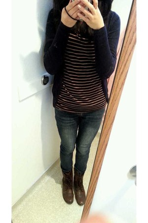 navy jeans - dark brown troopa Steve Madden boots - navy Zara cardigan