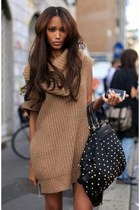 studded bag Bag bag - knitted camel Zara blouse