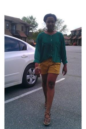 mustard Forever 21 shorts - green Forever 21 blouse - brown New York & Co wedges