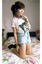 white cat print tee your eyes lie top - black shirt