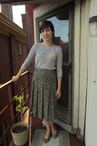 black vintage skirt - cream Old Navy top - tan Vince Camuto flats
