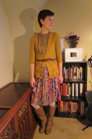 magenta vintage skirt - light brown Target boots - camel vintage sweater