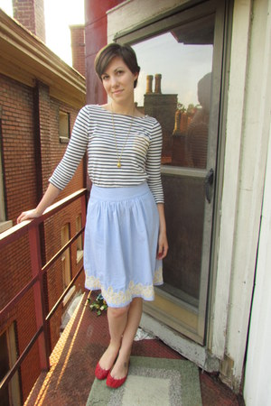 light blue J Crew skirt - eggshell Old Navy top - red sam edelman flats