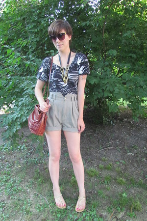 beige vintage shorts - tawny Fossil purse - black Michael Kors top