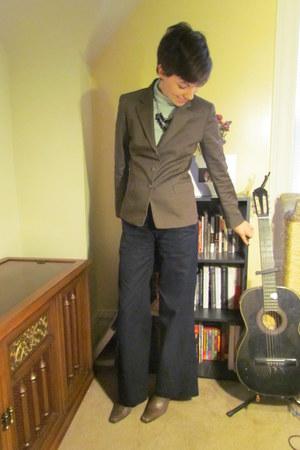 light brown thrifted Tahari blazer - brown Eddie Bauer boots