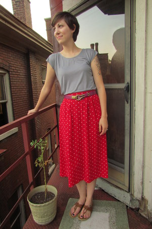 red vintage skirt - heather gray Geren Ford top - magenta vintage belt