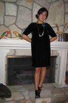 H&M dress - Colette Malouf necklace - Betseyville