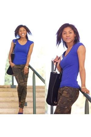 blue Zara t-shirt - army green pants