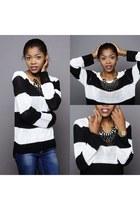 black H&M sweater - blue Zara jeans - black H&M accessories