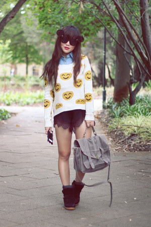lace shorts - smile face knit jumper