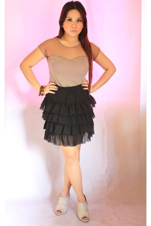 nude Secret Paris top - black random brand skirt - silver sm parisian shoes