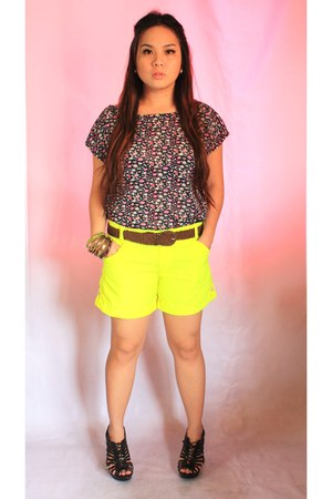 navy Secret Paris top - yellow Secret Paris shorts - dark brown Secret Paris bla