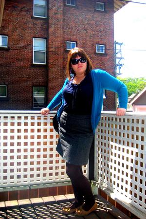 sweater - shirt - skirt - shoes - purse - leggings