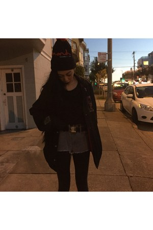 black hat - black jacket - black H&M top