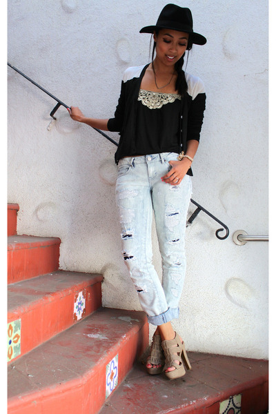 black tank top poof apparel top - blue distressed Aeropostale jeans