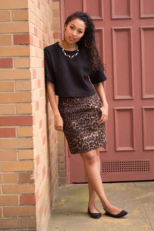 tawny leopard print Forever 21 skirt - black slingback Forever 21 flats
