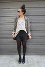 Black-booties-restricted-shoes-army-green-rvca-jacket