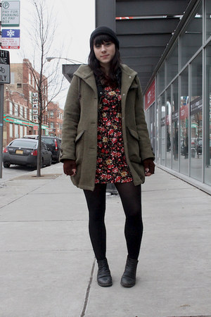 olive green military green jacket - black ankle boots boots