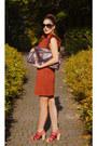 Tawny-ruffled-sleeves-tk-maxx-dress-maroon-clutch-xxl-prada-bag