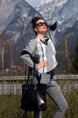 black Zara bag - silver Słyszę jak Pachniesz blazer - heather gray Zara pants