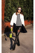 white geometric Zara coat - black with mesh PERSUNMALL leggings