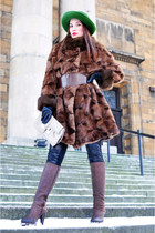 dark brown with heels Donna Loka boots - dark brown fur no name coat