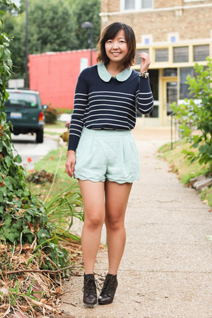light blue scallop hem Lush shorts - dark brown lace up oxfords Forever 21 boots