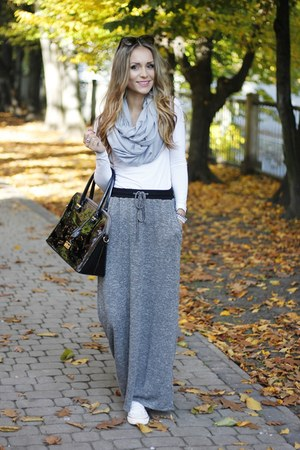 heather gray reserved skirt