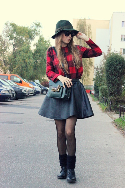 black H&M skirt - red Zara blouse