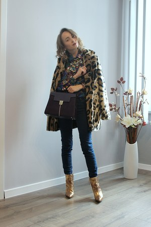 black Bershka coat - violet kazar bag - gold Zara heels