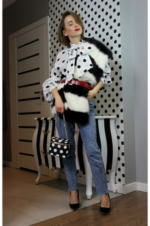white H&M shirt - blue Zara jeans - black Zara bag