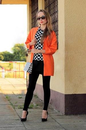 carrot orange Mohito coat - black Zara pants